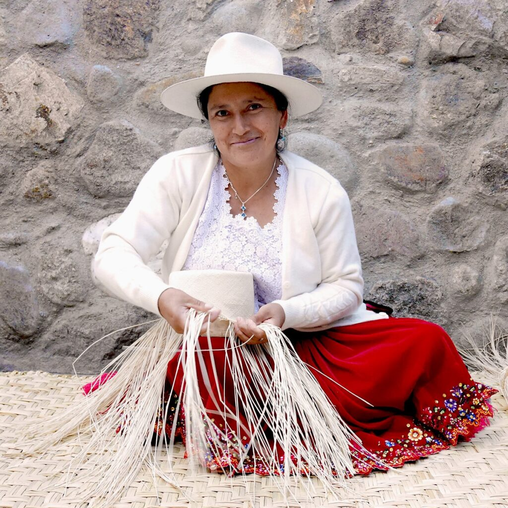 Hat_weaved_by_hand_in_Ecuador_by_artisans