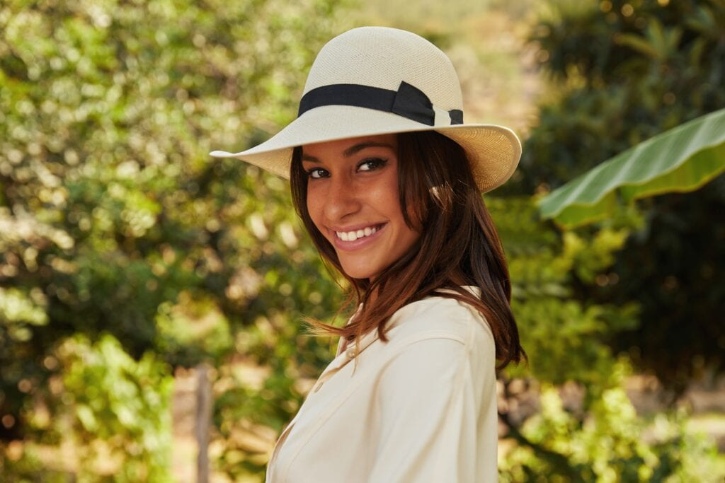 Womens_elegant_sun_hat