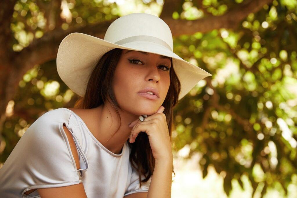 Fine_weave_genuine_Panama_hat