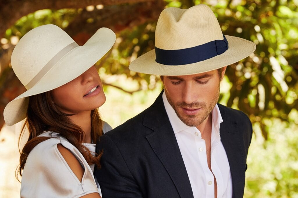 Men's_genuine_panama_hat_made_in_Ecuador_by_artisans