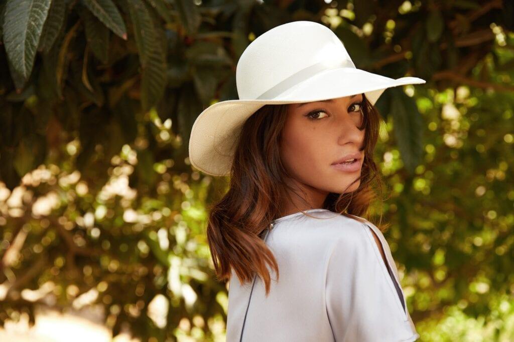 Ladies_Panama_sun_hat_with_ribbon