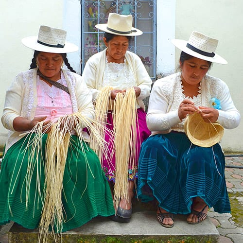 a group of panama hat weavers from Ecuador - Pachacuti UK