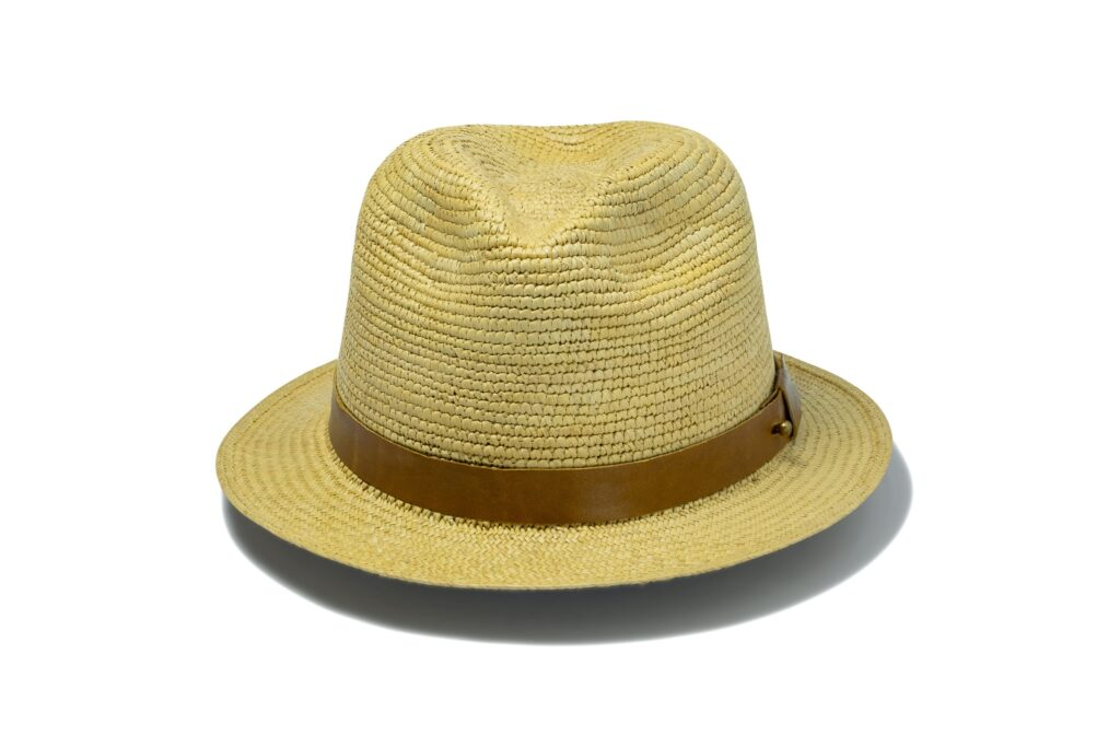 Durable_men's_panama_hat_with_leather_band
