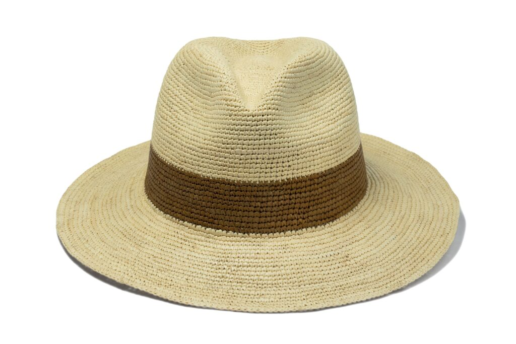 Men's_straw_panama_hat_with_brown_finish