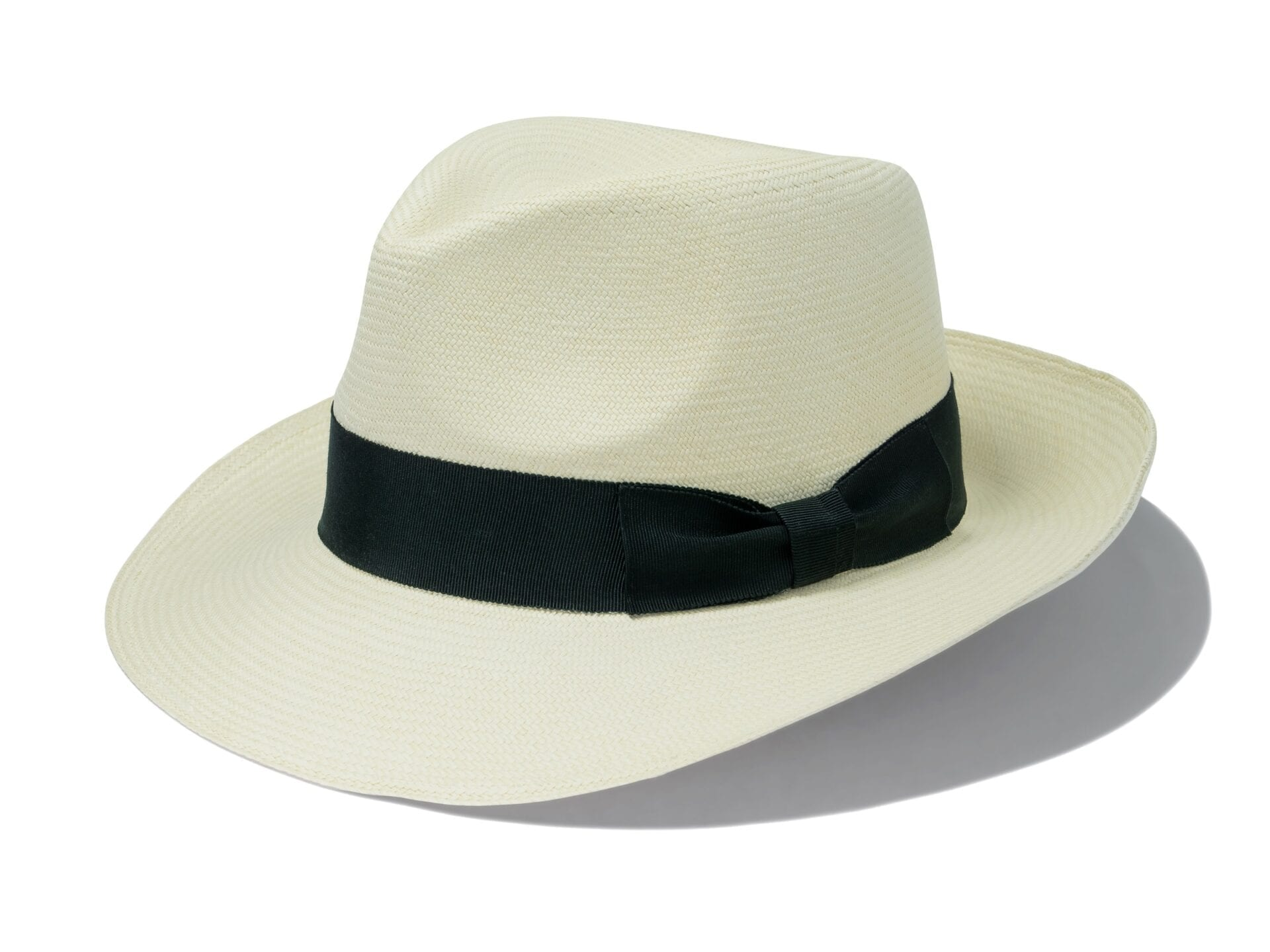 Men's_teardrop_fedora_panama_hat