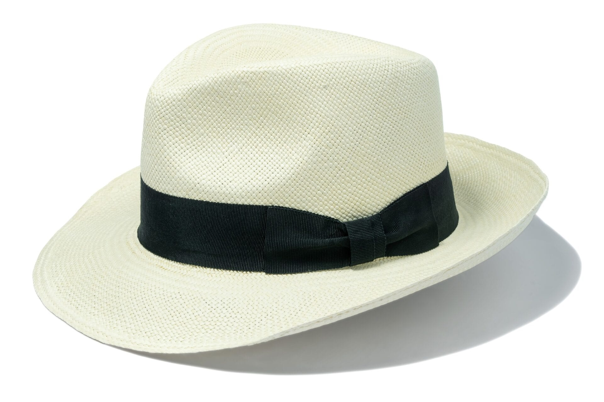 Men's_fedora_style_panama_hat_with_ribbon