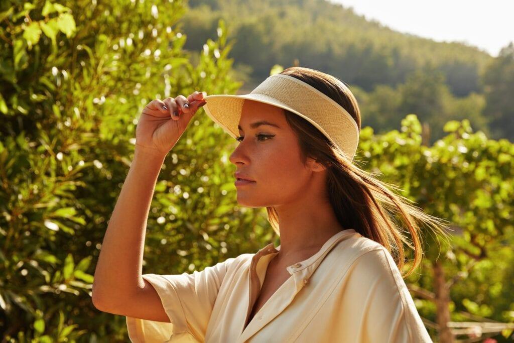 Women's_sun_visor
