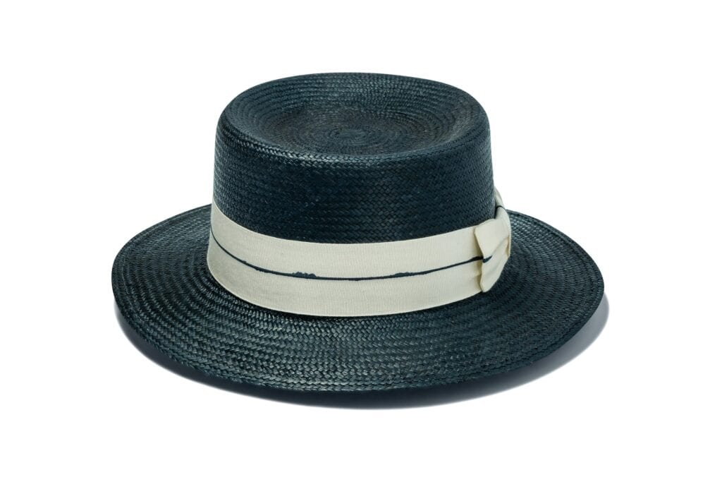 womens-chic-black-straw_hat