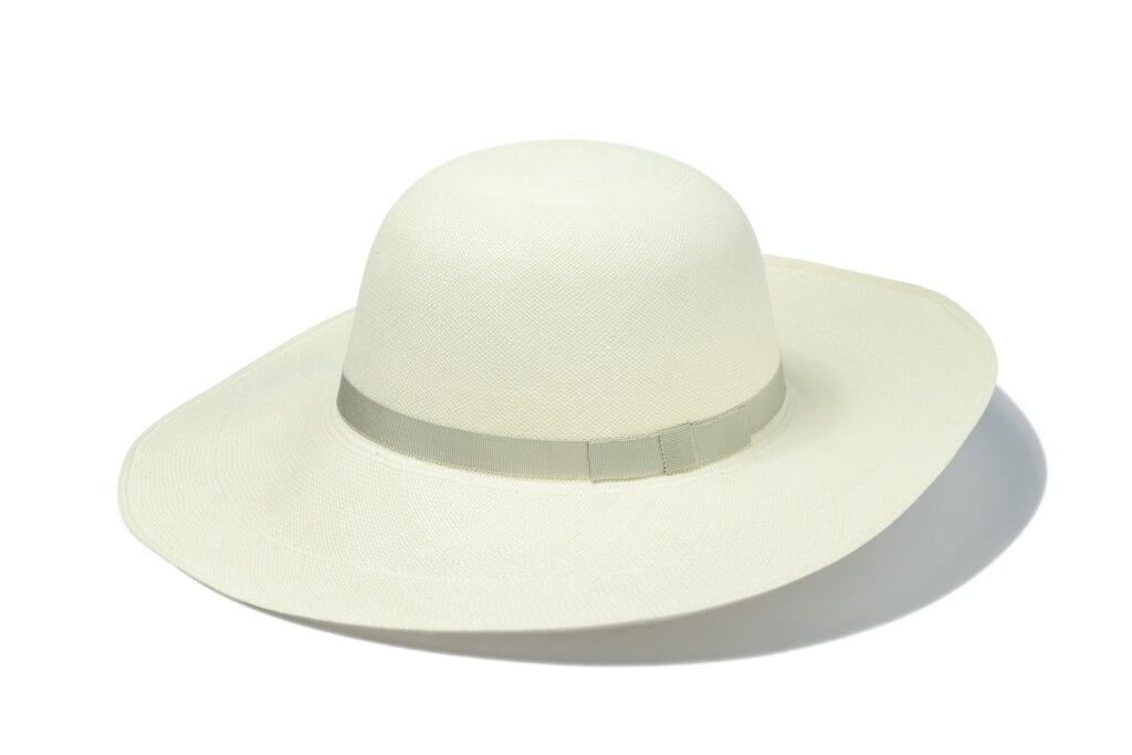 Women's_genuine_wide_brim_panama_hat